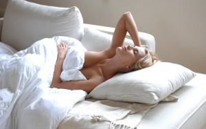 dormir-desnuda